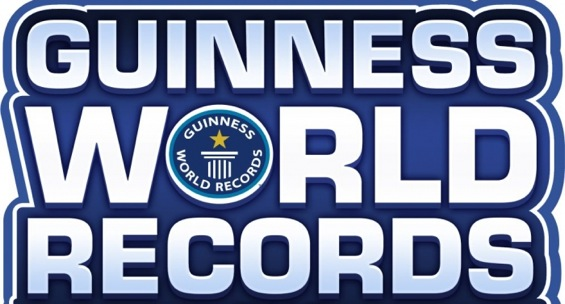 Milliealexis sutherland the count israels biggest flag world record sciox Image collections