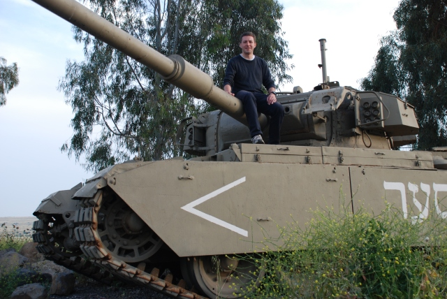 Golan Andreas Moser on tank