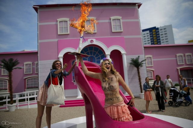 Femen Barbie Berlin 1