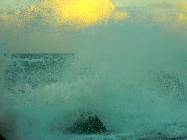 strong waves 2
