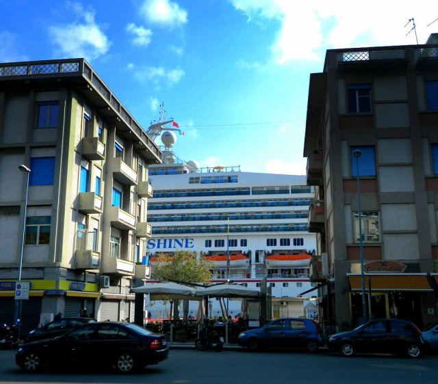 cruise ship between houses Messina