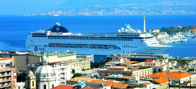 cruise ship harbour Messina