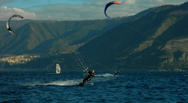 surfing Strait of Messina