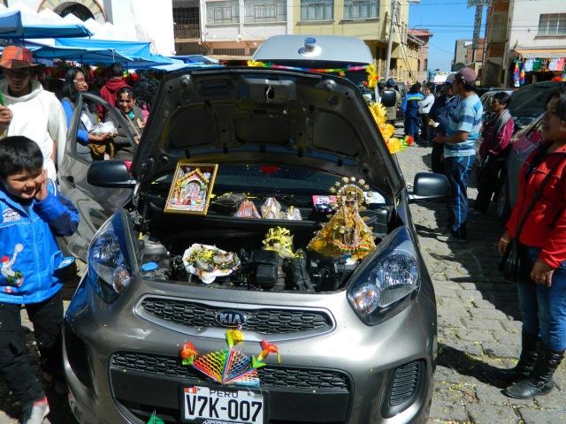 Altar im Auto.JPG
