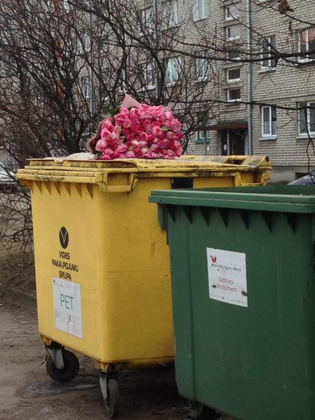 flowers trash Riga.jpg