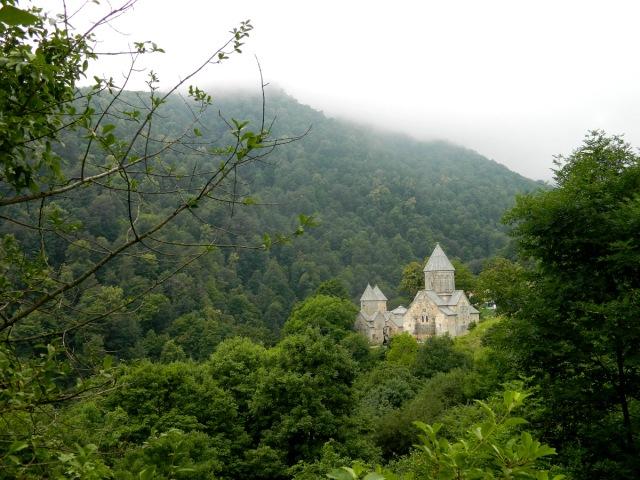 Kloster im Wald.JPG