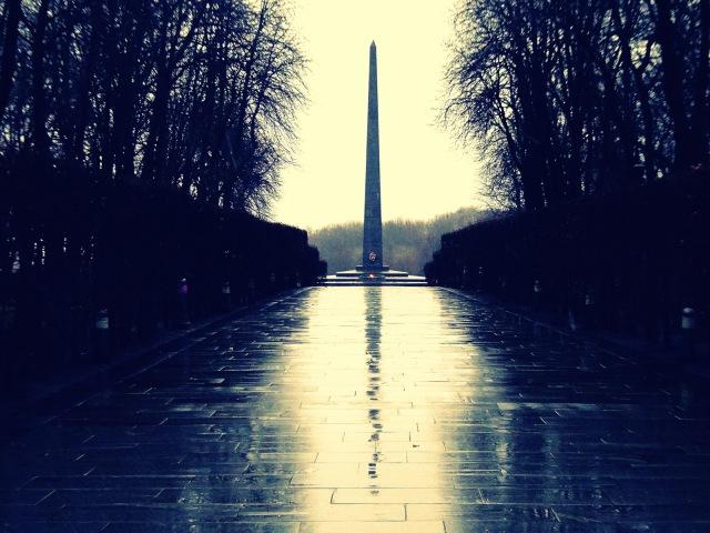 cenotaph wet.JPG