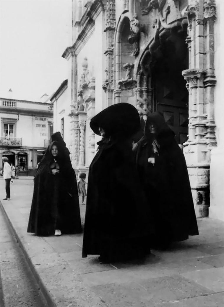 vintage-photos-of-portuguese-women-23