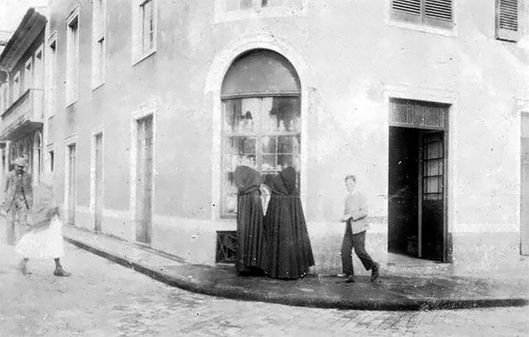 vintage-photos-of-portuguese-women-3